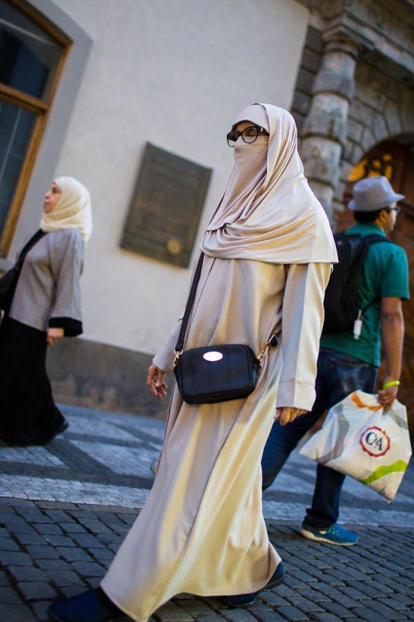 Hidžáb, muslimský šátek.